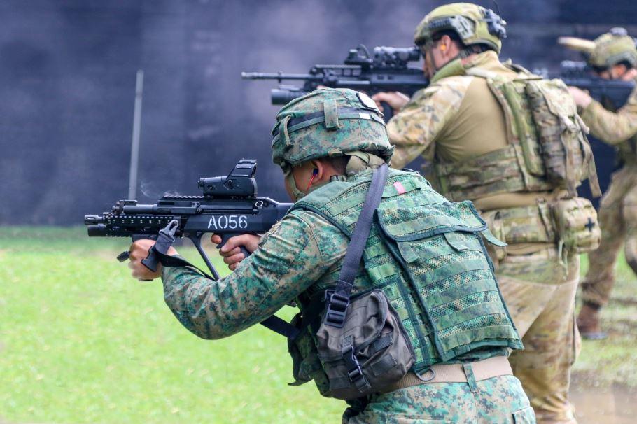 https://www.mindef.gov.sg/web/wcm/connect/army/b97c5fbc-01bc-4ef8-bbbb-3ba6a0a9338f/1.JPG?MOD=AJPERES&CACHEID=ROOTWORKSPACE.Z18_1QK41482L8HD90QOSSLBSG3000-b97c5fbc-01bc-4ef8-bbbb-3ba6a0a9338f-mrjIevu