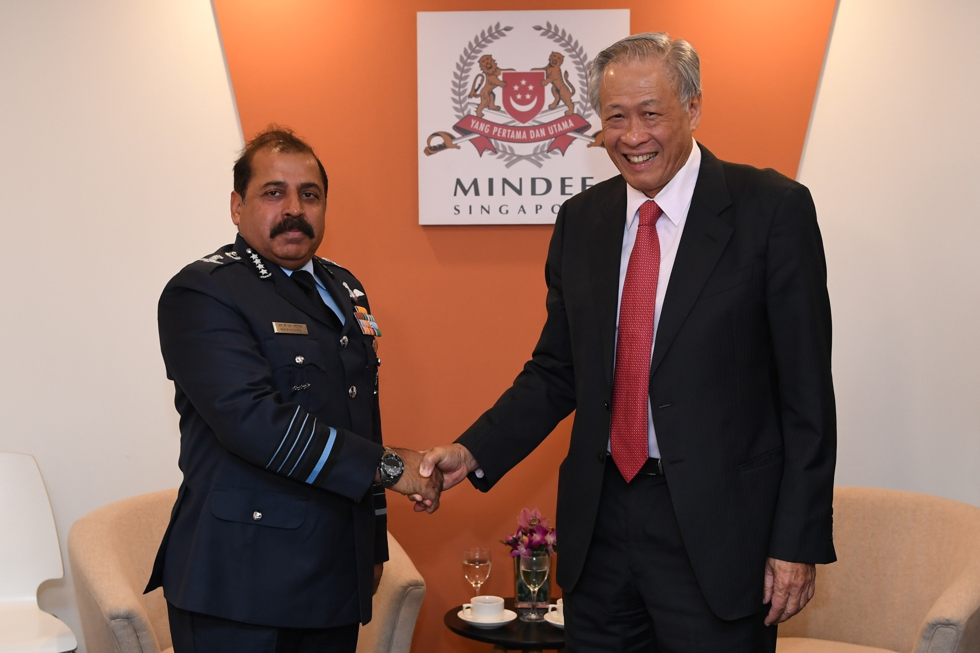Indian Chief of Air Staff Air Chief Marshal Rakesh Kumar Singh Bhadauria (left) calling on Dr Ng earlier today.