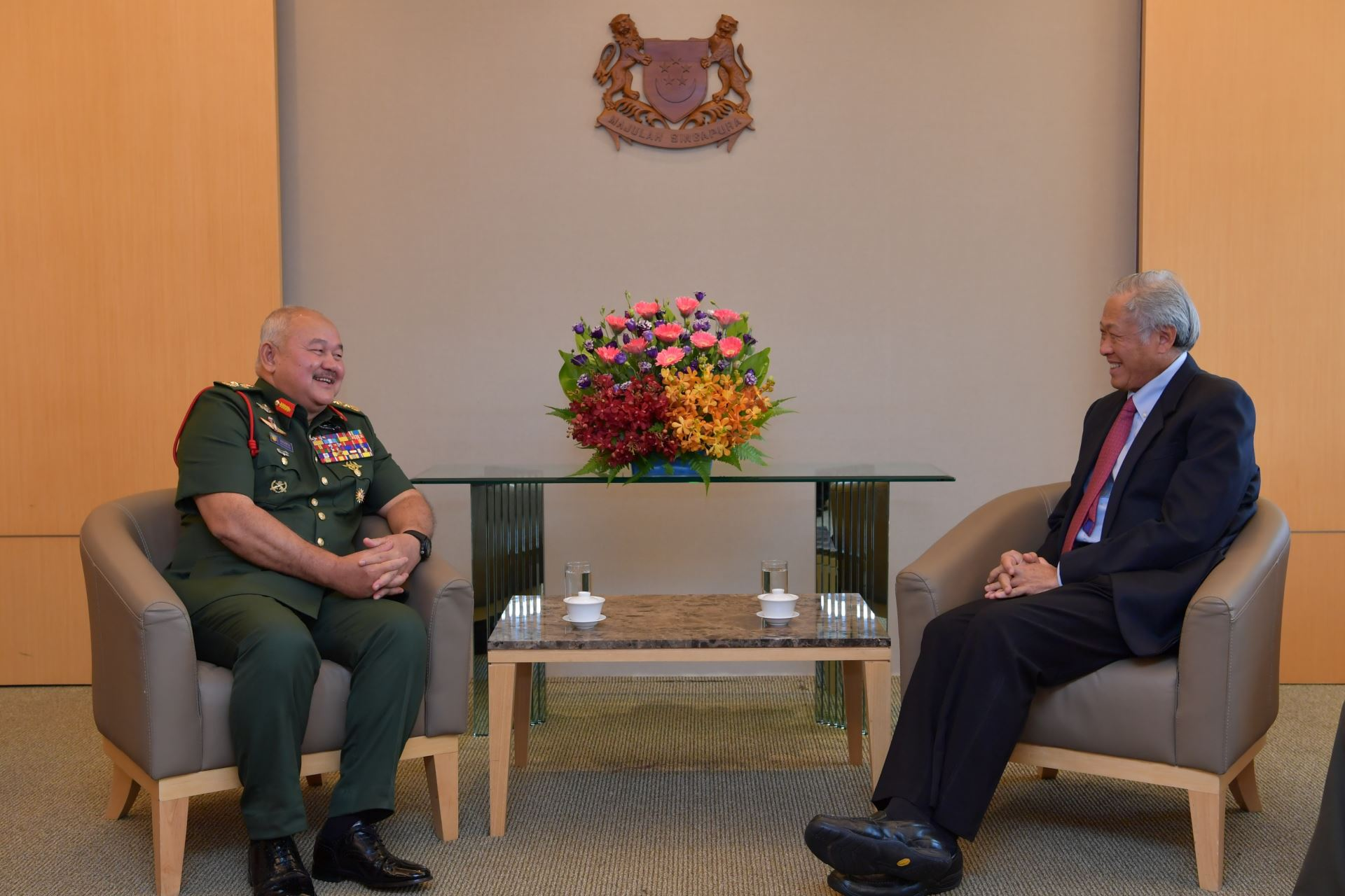 Chief of the Malaysian Armed Forces General (GEN) Tan Sri Zulkifli Zainal Abidin calling on Minister for Defence Dr Ng Eng Hen.