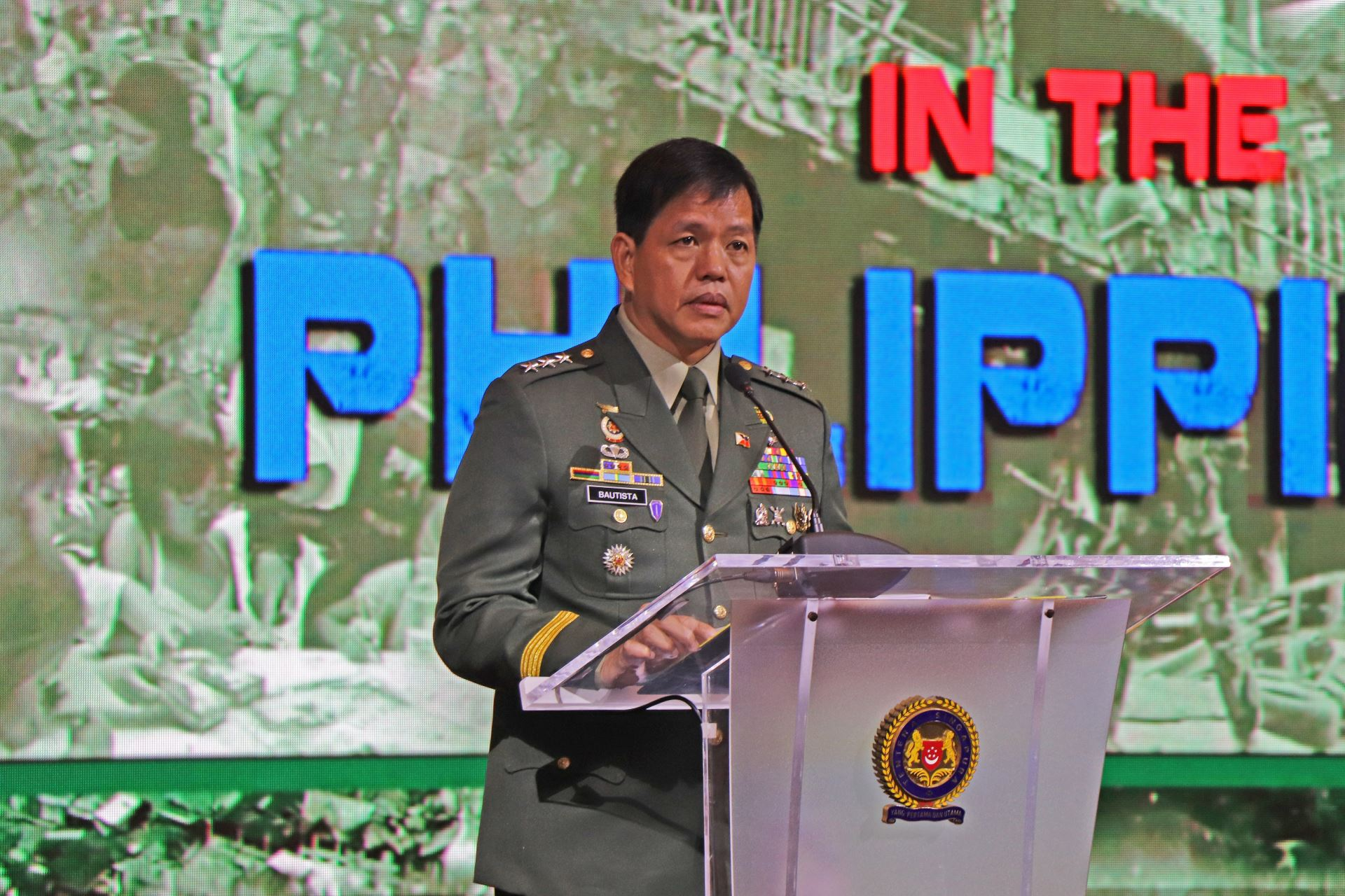 Commanding General of the Philippine Army Lieutenant-General Rolando Joselito Delizo Bautista speaking at the AAISW plenary session.