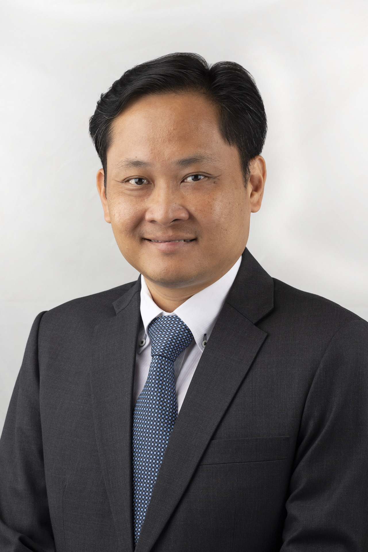 Mr Mervyn Tan Wei Ming, currently Deputy Secretary (Technology) and Future Systems and Technology Architect, will take over as CE DSTA on 15 May 2021.