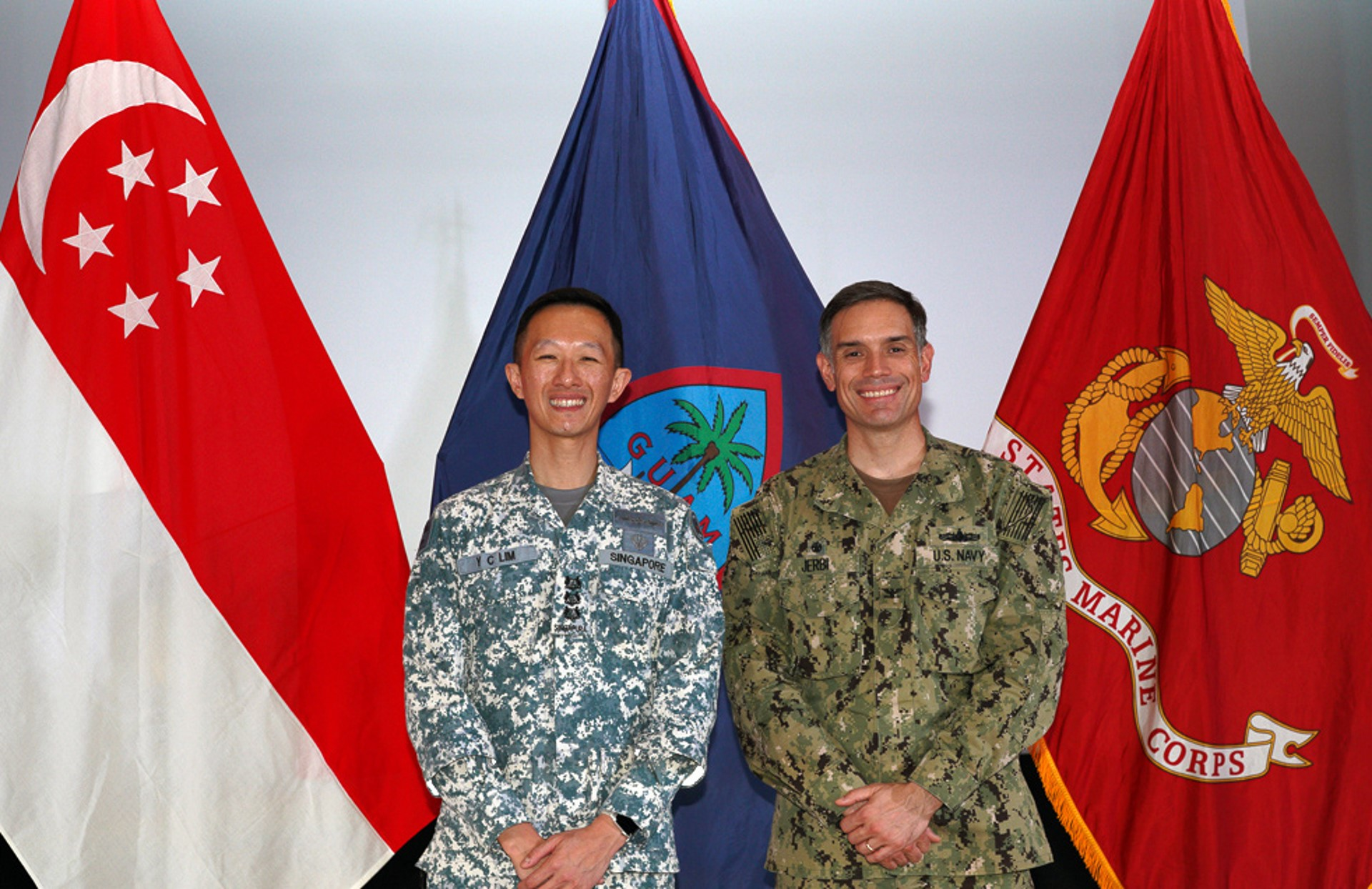 RSN Commander First Flotilla and Commanding Officer of 185 Squadron, Colonel Lim Yu Chuan (left) and USN Commodore of Destroyer Squadron 7, Captain Matthew J. Jerbi (right) officiating at the opening ceremony of Ex Pacific Griffin 2019.