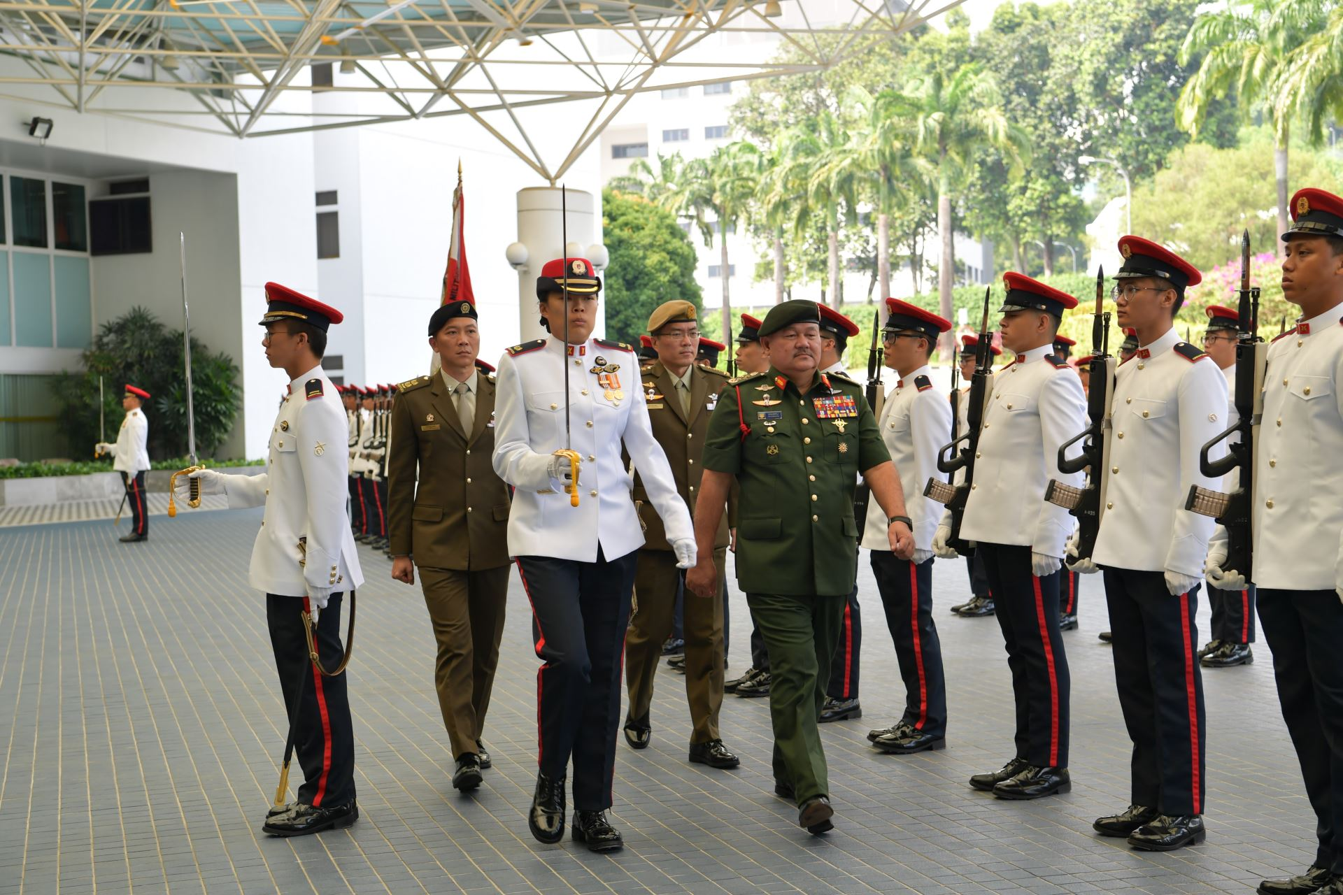 GEN Zulkifli reviewing the Guard of Honour at the Ministry of Defence.