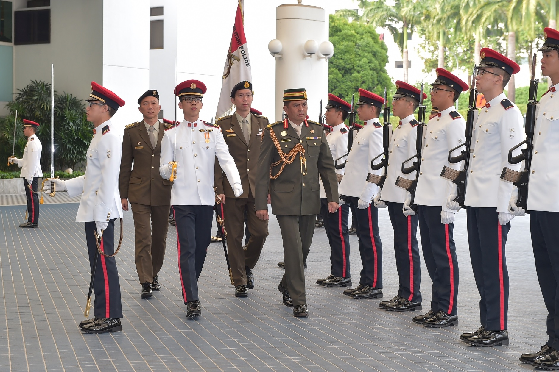 BG Khairul Hamed inspecting the Guard of Honour at the Ministry of Defence.