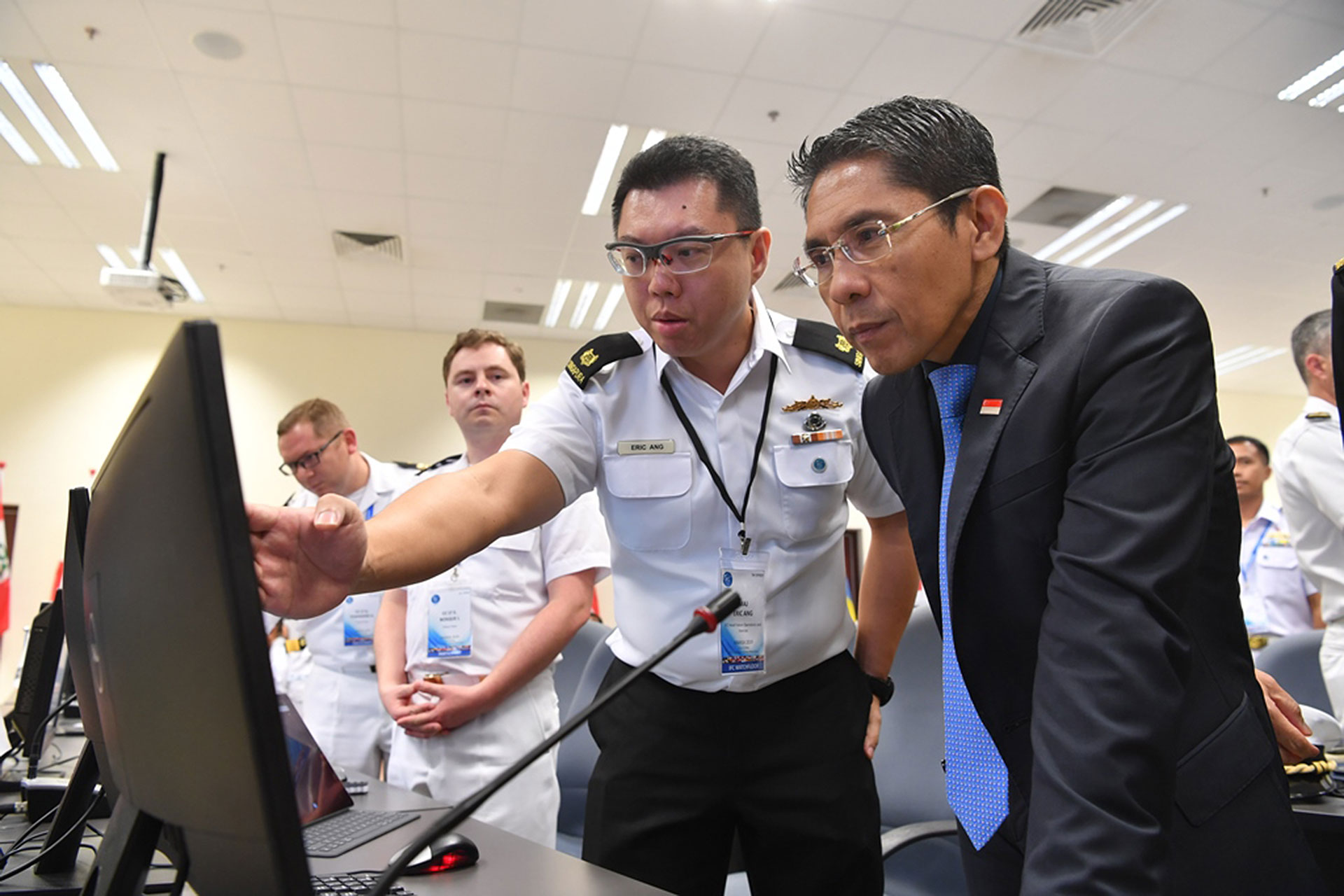 Dr Maliki being briefed on the capabilities of the newly launched IRIS.