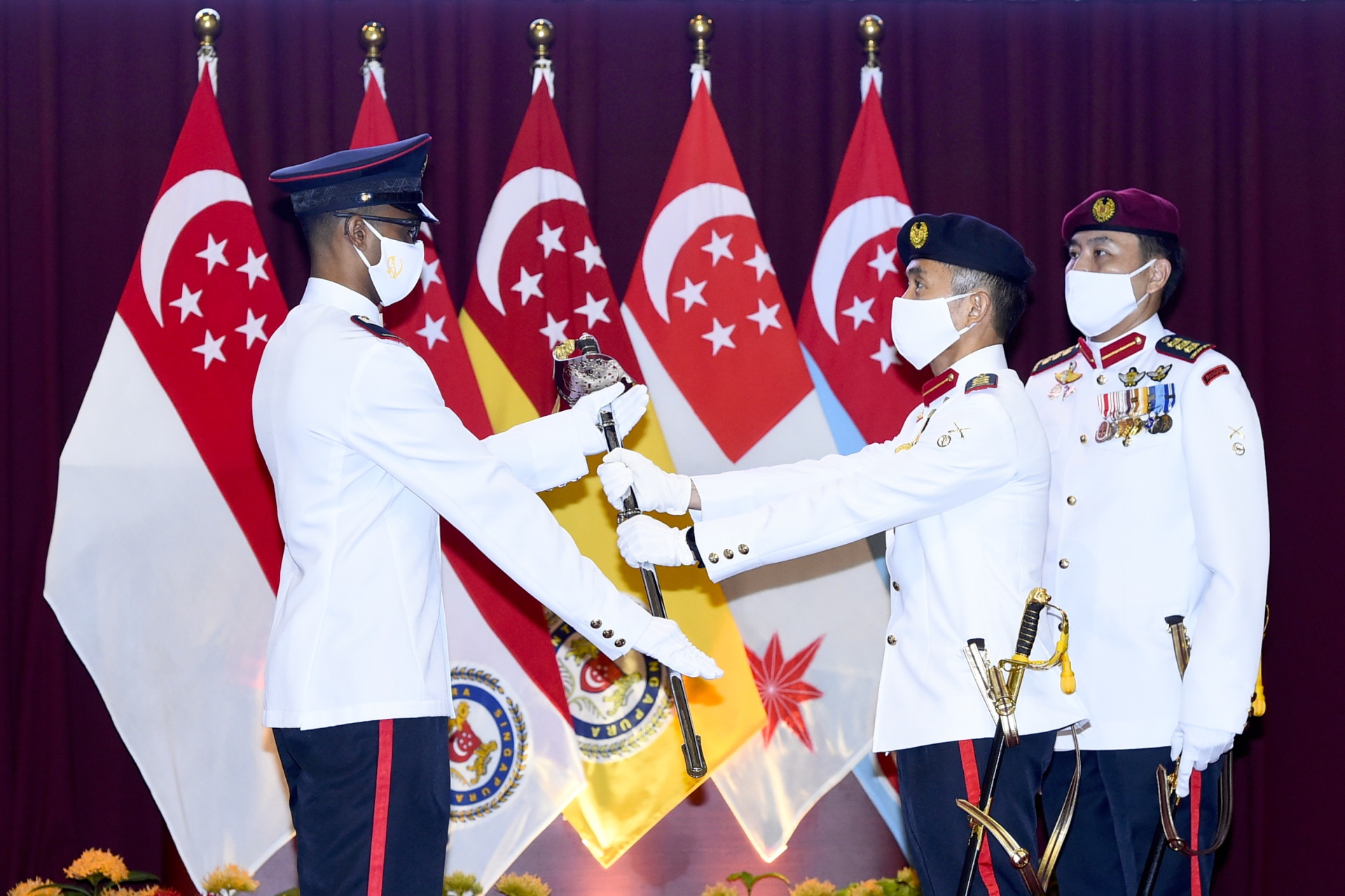 https://www.mindef.gov.sg/web/wcm/connect/pioneer/f1c6e3dc-12b1-457e-b0c6-c3cd2f8129f0/10may21_news1-photo1.jpg?MOD=AJPERES&CACHEID=ROOTWORKSPACE.Z18_NG96HO01018QE0Q5VUU2KN0571-f1c6e3dc-12b1-457e-b0c6-c3cd2f8129f0-nE87FUS