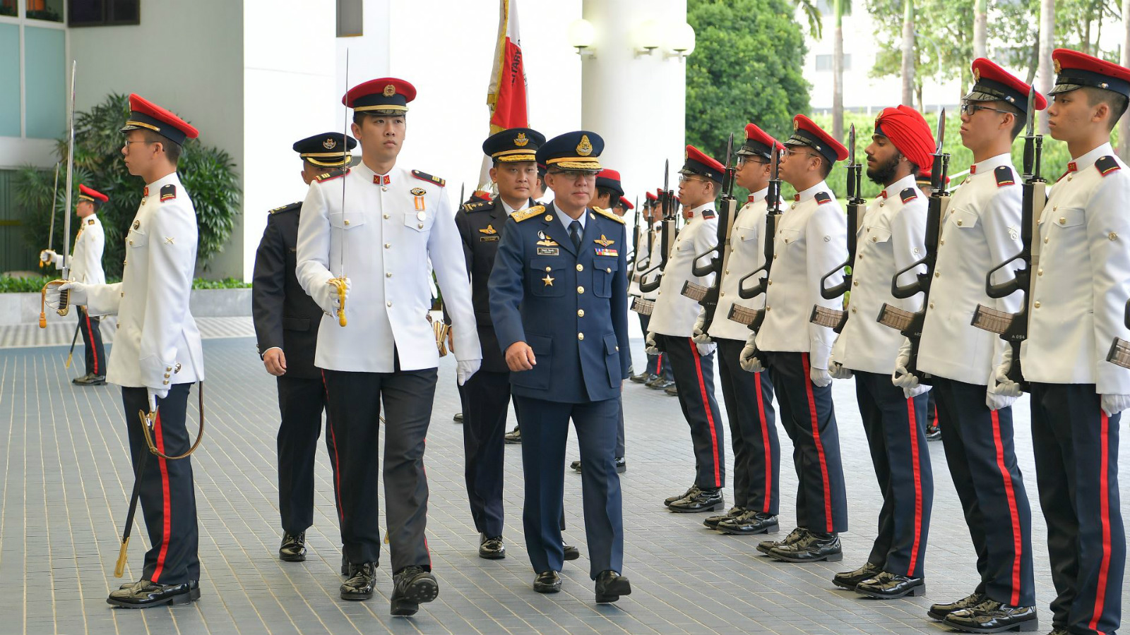Royal_Thai_Air_Force_Chief_Makes_Introductory_Visit_to_Singapore