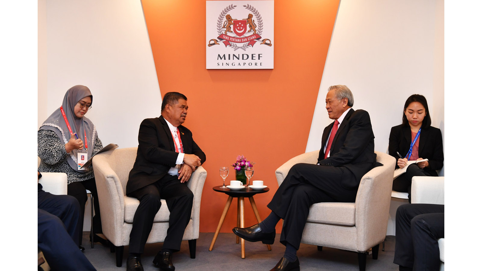 Minister_for_Defence_Reaffirms_Defence_Ties_on_Sidelines_of_Singapore_Airshow_2020