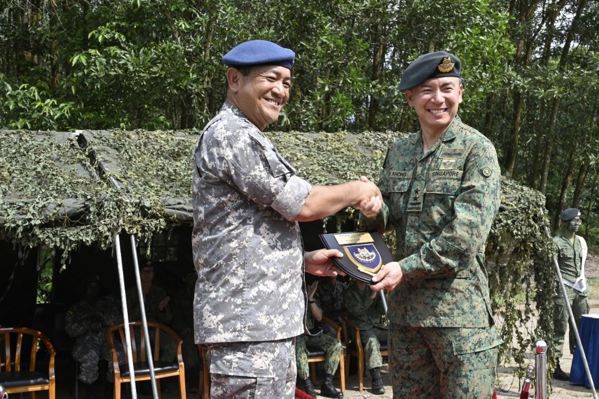 The RSAF Chief of Air Force, Major-General Kelvin Khong, and the Commander of the RBAirF, Brigadier-General (U) Dato Seri Pahlawan Haji Hamzah bin Haji Sahat.